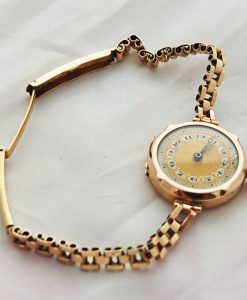 Ladies-Vintage-9ct-Gold-Unicorn-1922-3